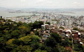 Florianópolis (Brésil) : les Focolari dans le «Morro» (la favela)