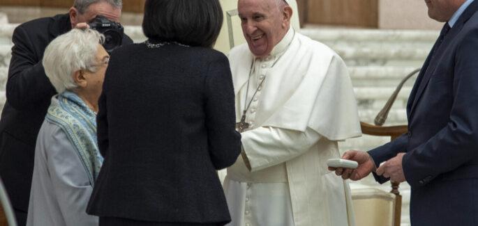 Paus Franciscus tijdens de Algemene Vergadering van het Focolare