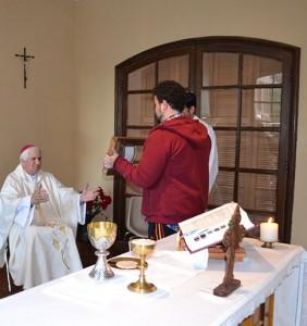 bOfrenda- reliquia de Sta. Teresa de los Andes - CM Chile 11 06 2016)