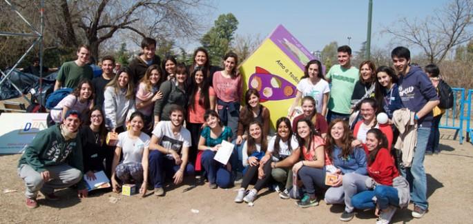 750 chicos participaron de la inauguración del Dado de la Paz