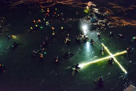 Via Crucis submarino en Puerto Madryn, Argentina.