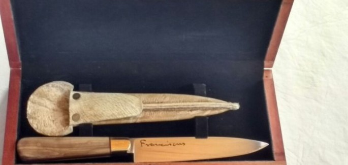 Desde Mendoza un cuchillo para el Papa
