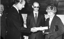 Chiara receiving templeton Prize inn 1977