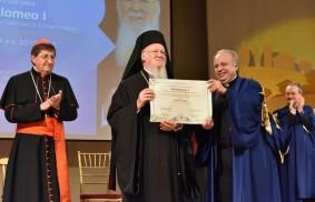 Al Patriarca Ecumenico Bartolomeo I il dottorato h.c. in Cultura dell'unità