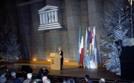 """Bei der UNESCO """"den Frieden neu erfinden"""""""