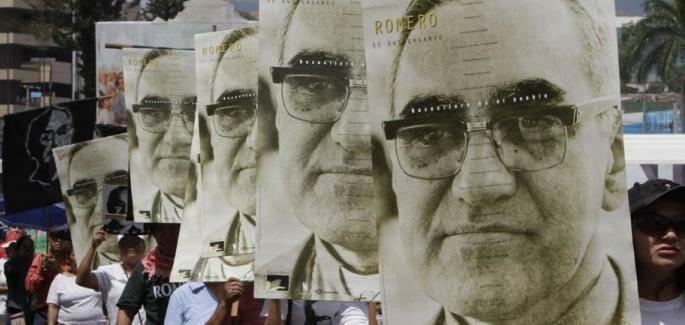 El Salvador em festa por Romero