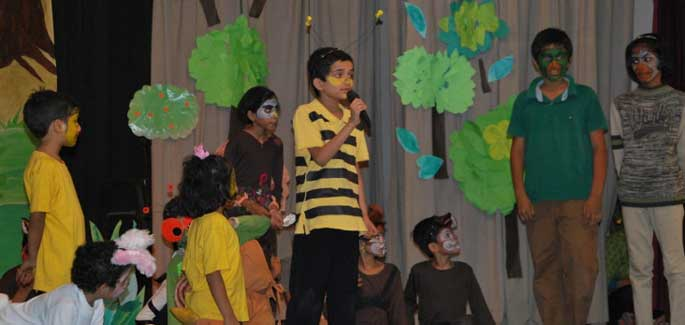 Mumbai: Young Performers in a Musical