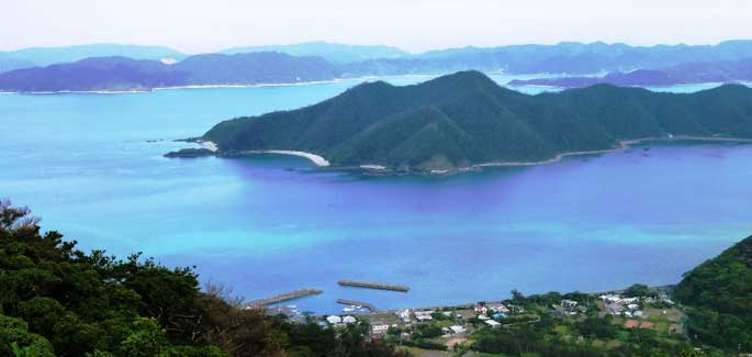 Amami, the isle of Bonds