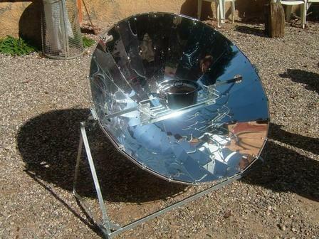 un_forno_solare_ottimo_esempio_di_tecnologia_appropriata_2007_imagelarge