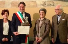 """Italia: al Comune di Asti il premio """"Chiara Lubich per la fraternità"""""""