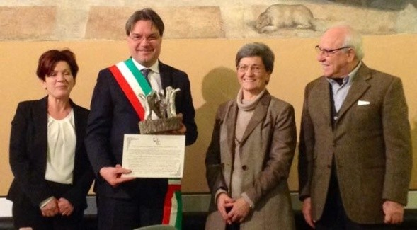 "Italy: ""Chiara Lubich for fraternity"" Award to the Municipality of Asti"
