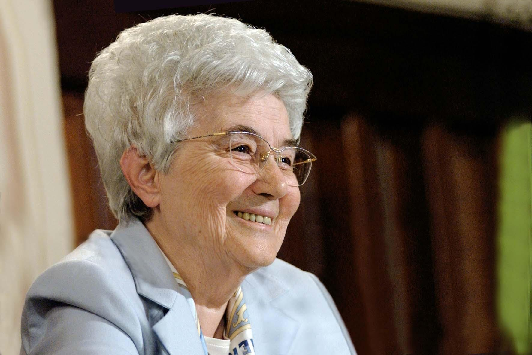 "Chiara Lubich: ""As if I were his or her mother"""