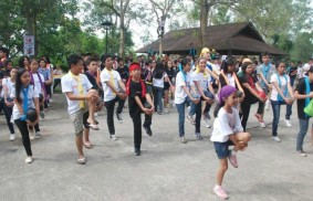 Asia: children and young people run for peace