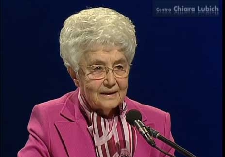 Chiara Lubich to the young people at WYD 2005