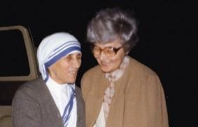 """Mutter Teresa herausragende Meisterin in der """"Kunst zu lieben""""."""