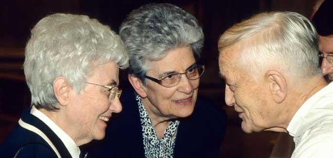Chiara Lubich nella Chiesa della Memoria