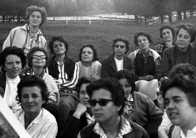 1963 a Oberiberg gruppo focolarine