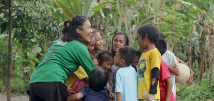 Davao, Philippines – Friendship instead of video games