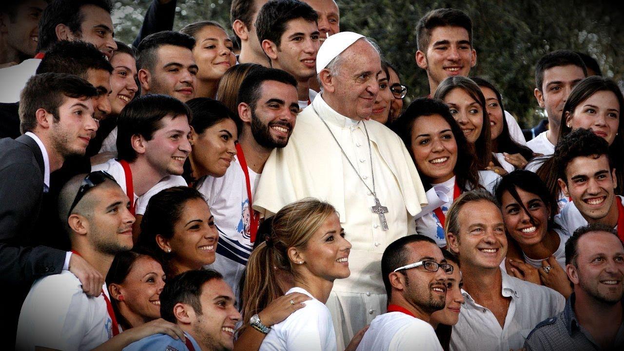 Papst Franziskus trifft sich erneut mit den Jugendlichen