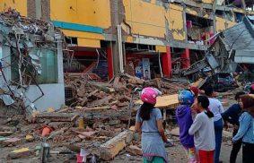 Tsunami e terremoto in Indonesia