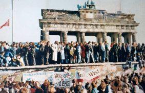 Hace 29 años caía el muro de Berlín