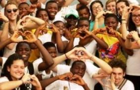非洲:『我們大家一起』