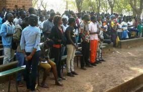 布基納法索:青年運動達致合一