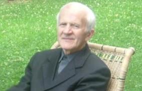 尊敬的馬里奧·斯特拉達(Don Mario Strada)神父