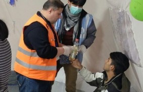 難民營中的一位敘利亞醫生