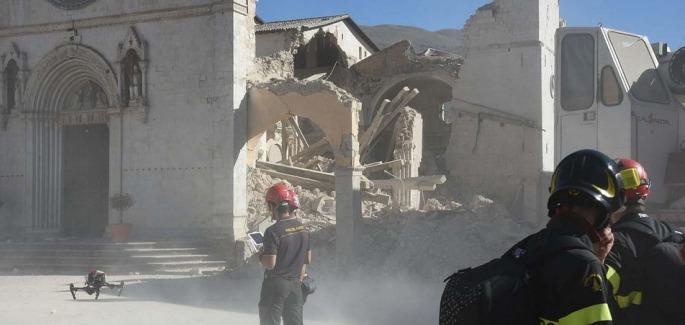 義大利地震:廢墟下的三個小時